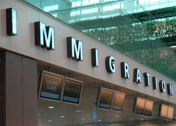 What are the Pros and Cons of Illegal Immigration